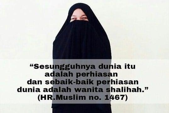 30 Sifat Dan Ciri Ciri Wanita Sholehah Dalam Pandangan Islam